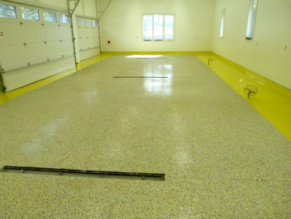 Bordered garage floor coating